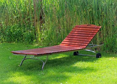 garden-bed-355391_380